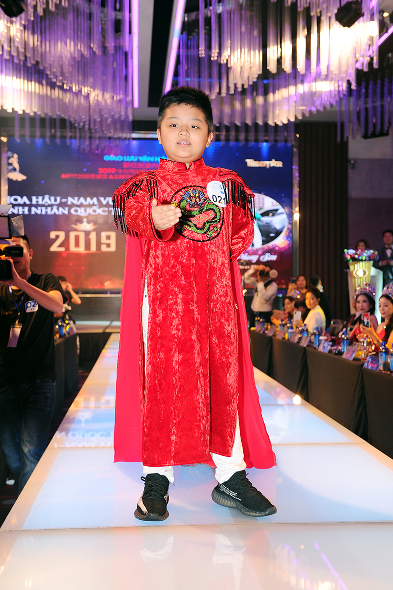 Vũ Phong Sơn trở thành chủ nhân của danh hiệu Nam vương nhí Quốc tế Taiwan 2019