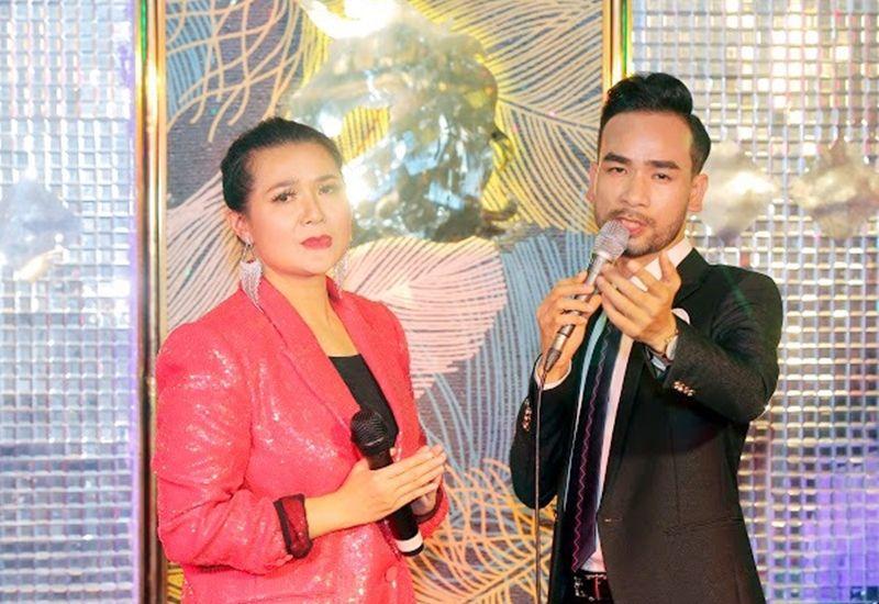Valentine's Day - 'Bông hoa hồng có gai' ca sĩ Triệu Trang và các hoàng tử showbiz Việt
