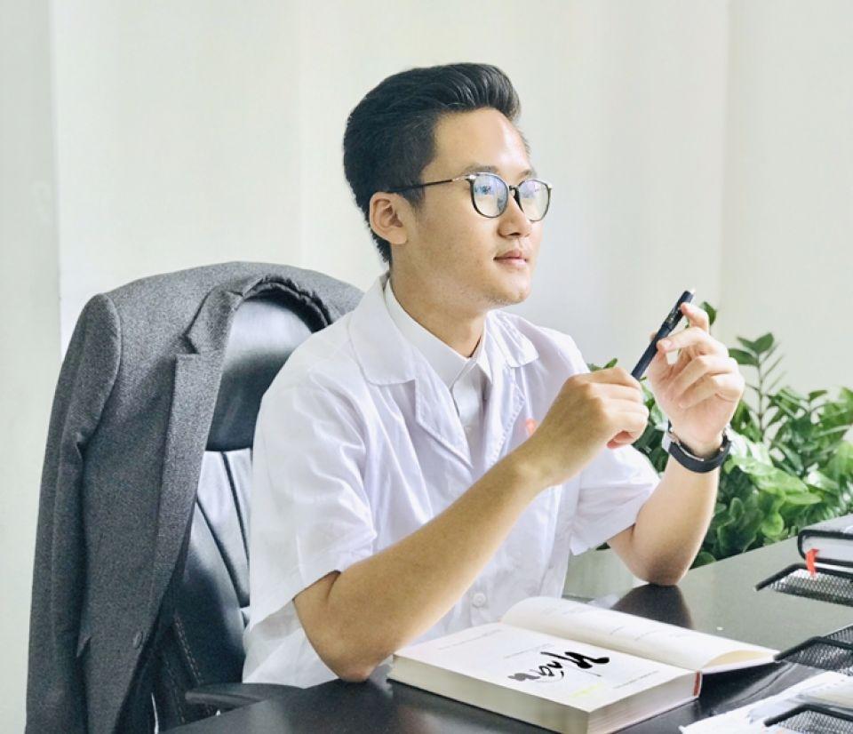 Dr Louis Nguyễn - Bác sĩ trẻ tài năng sáng tâm đức