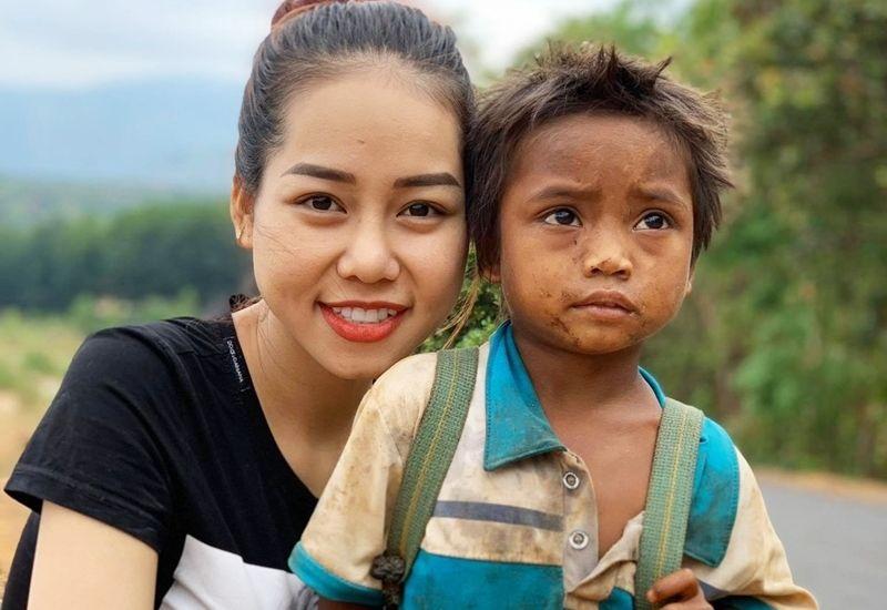 Á hậu Quốc tế Taiwan 2019 Thúy An chia sẻ khó khăn với trẻ em đồng bào tỉnh Gia Lai