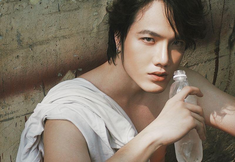 Nam vương Quốc tế Nguyễn Sỹ Long với style chất lừ trong bộ ảnh mới