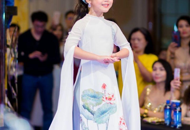 Siêu mẫu nhí Thảo Chi giành ngôi vị Hoa hậu nhí quốc tế Taiwan 2019