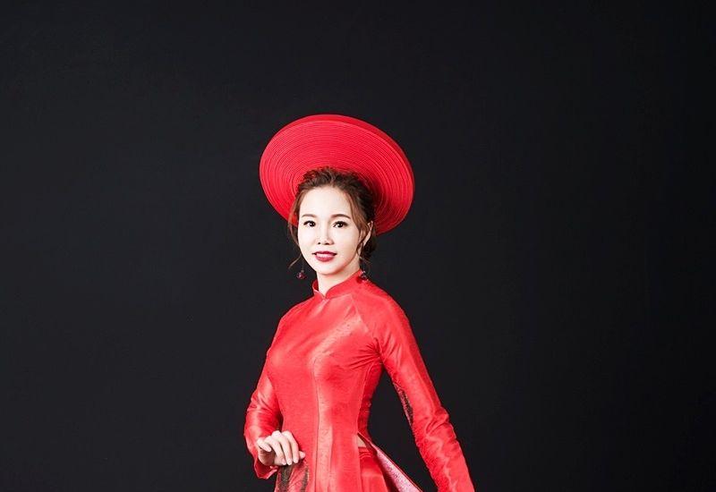 Hoa hậu quốc tế 2019 Trà My tỏa sáng vẻ đẹp dịu dàng trong tà áo dài Việt Nam