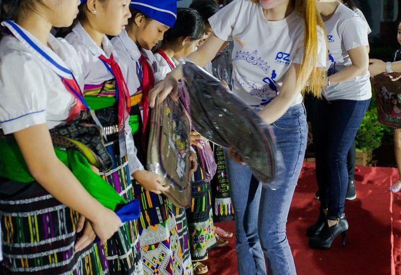 Hoa hậu Quốc tế Taiwan Lê Hải Yến hạnh phúc trong chuyến thiện nguyện cho các em nhỏ tại Thanh Hóa