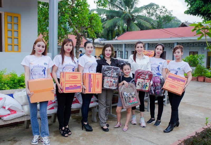 Hoa hậu tài năng Nguyễn Thanh Thảo đồng hành cùng chương trình thiện nguyện tại Thanh Hóa