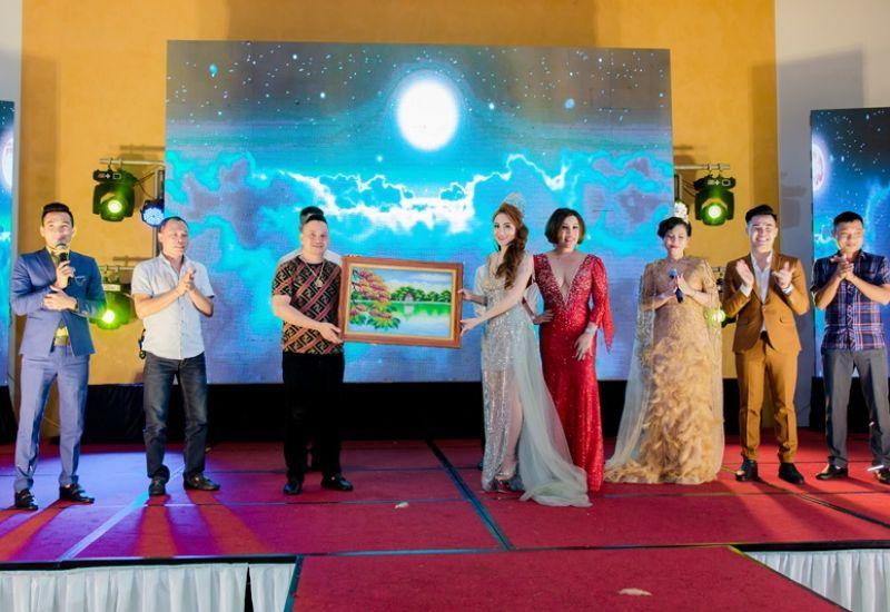 Hoa hậu quốc tế Taiwan 2019 Lê Hải Yến kêu gọi quyên góp từ thiện trong đêm Thanks Party