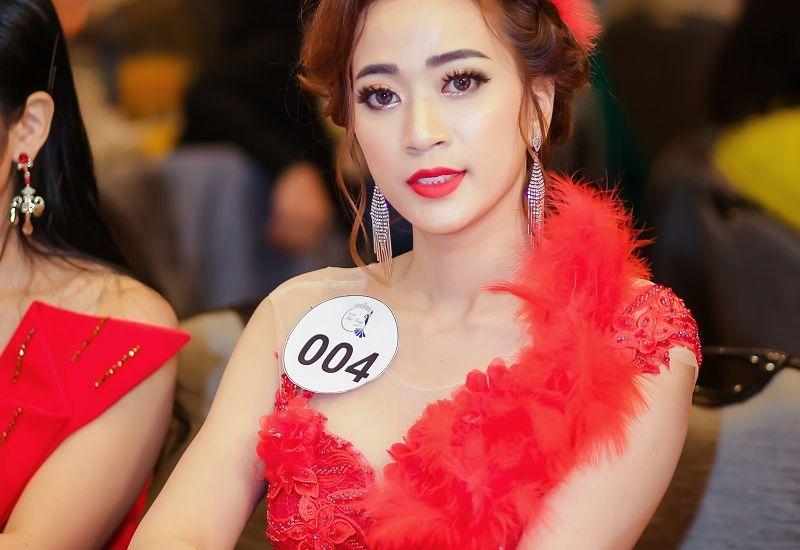 """Linh Nhâm: Nàng hậu chứng minh vẻ đẹp của người phụ nữ không dừng ở chữ """"Sắc"""""""