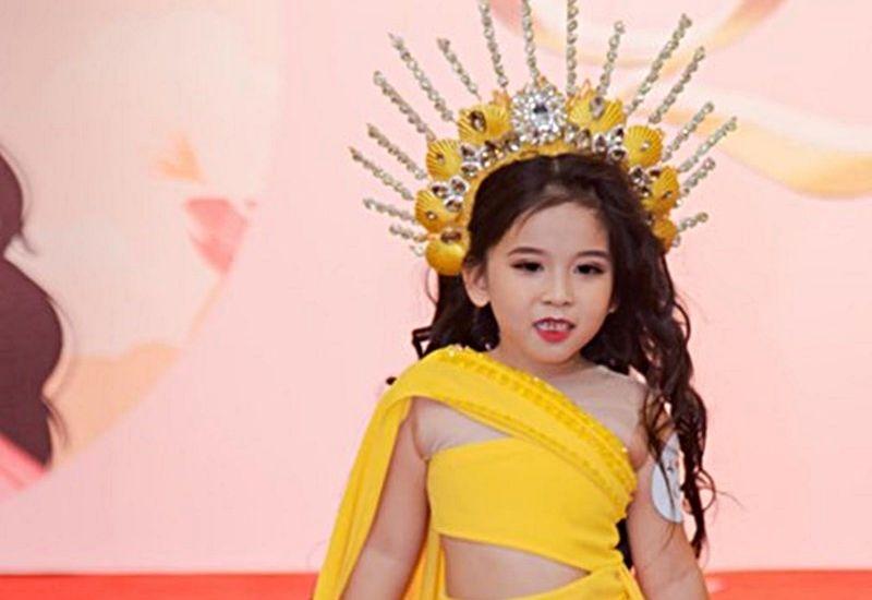 """Nguyễn Gia Linh - Mẫu nhí 6 tuổi tài năng """"đốt cháy"""" sàn diễn trong nước"""