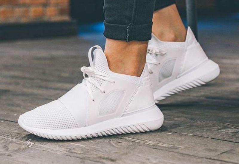 Top 5 dòng giày Adidas bạn nhất định phải có