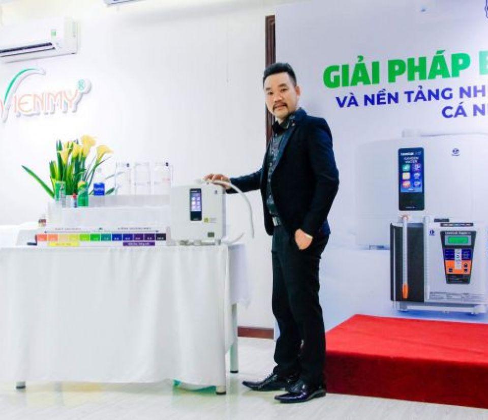 Đại sứ thương hiệu Kangen Water ngành tóc toàn cầu - CEO Viện tóc Hiệp Kỳ