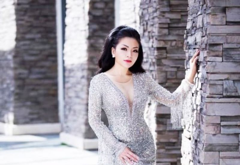 """CEO Lâm Hoàng My - """"bông hồng thép"""" của Golden World Group với nhan sắc tươi trẻ bất chấp thời gian"""