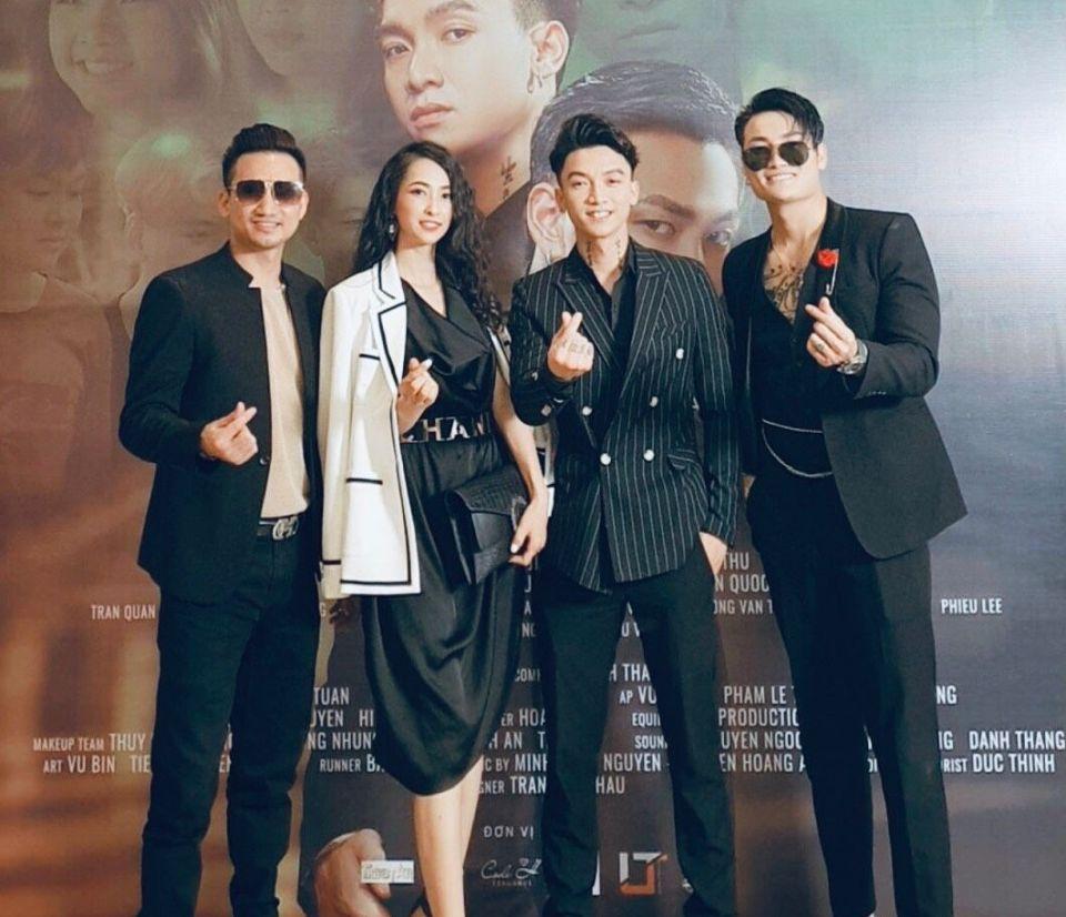 Đạo diễn Mr Snake và 'nữ hoàng Kangen Water' Julie Nguyễn dự buổi lễ ra mắt phim ca nhạc 'Máu huynh đệ' của ca sĩ Khả Quân và Phan Anh