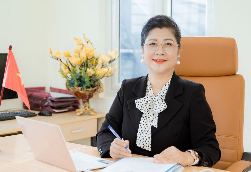 Nữ doanh nhân Tạ Thị Thu Hằng - Đại sứ thương hiệu cuộc thi 'Ươm mầm tài năng ngành làm đẹp online toàn cầu 2021'